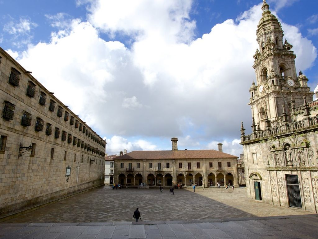 The Plaza de la Quintana and its most outstanding buildings